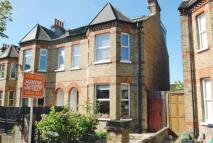 4 bed semi detached property in Coldershaw Road, Ealing