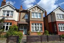 4 bed home in Balfour Avenue, Hanwell