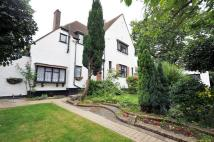 4 bedroom Detached home in Lynwood Grove, Orpington...