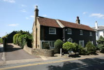 Detached house in POINT CLEAR ROAD...