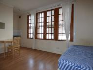 Studio flat to rent in Bowes Road, London, N11