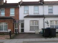2 bed Terraced home to rent in Long Lane...