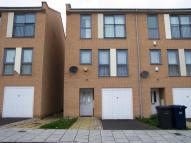 4 bed Town House in Fortune Avenue, Edgware...