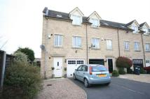 3 bed Town House in Elm Close, Rossington...