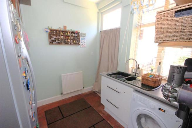 SCULLERY (UTILITY ROOM)