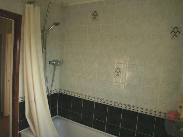 41 allison ave bathroom.JPG