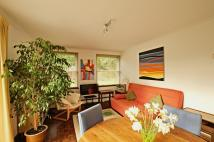2 bedroom Flat to rent in Park Close, Oxford, OX2