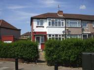 3 bed house in Dean Drive, Stanmore, HA7