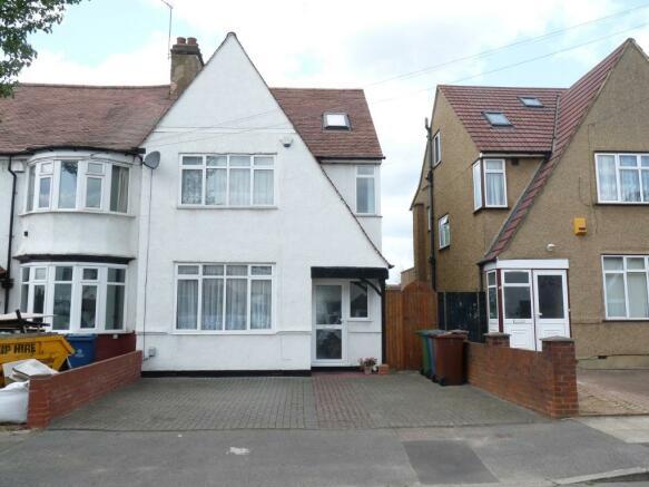 4 bedroom semidetached house for sale in Westfield Gardens