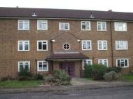 3 bedroom Flat to rent in Haydon Drive, Pinner, HA5