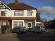 4 bed semi detached property to rent in Harrow View, Harrow, HA1