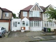 Studio apartment to rent in Elmstead Avenue, Wembley...