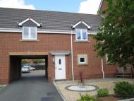 Town House to rent in Netherwood Way...