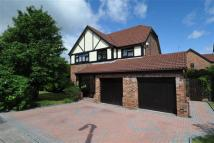 Detached property in Miles Lane, Greasby