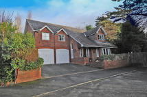 4 bedroom Detached home for sale in Melloncroft Drive West...