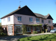 5 bed Detached property in Mount Road, Upton