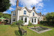 4 bedroom Detached house for sale in Parkgate Road, Neston