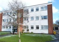2 bedroom Flat in Northfield Road...