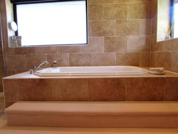 En Suite Bath
