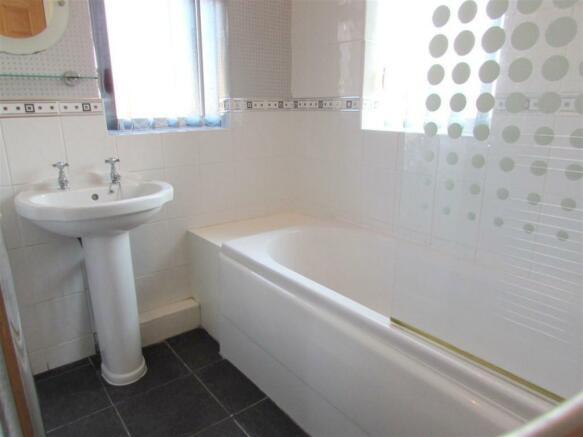Bathroomn