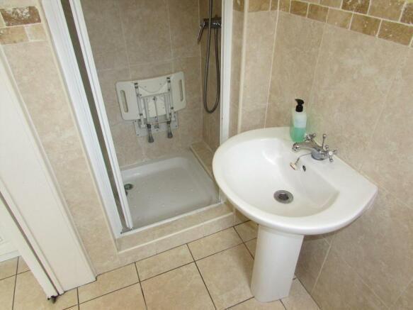 GF Shower Room View