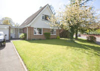 4 bedroom Detached property to rent in 3 Grange Close...