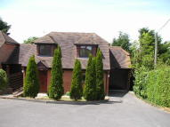 3 bedroom Detached house to rent in 67a Wallingford Road...