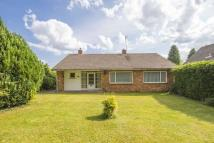 Bungalow in 10 Milldown Avenue...