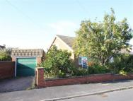 2 bed Semi-Detached Bungalow for sale in Lodge Gardens...