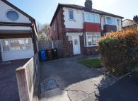 3 bedroom semi detached house in Regent Close...