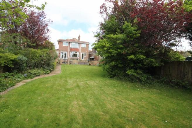 4 Bedroom Detached House For Sale In Broadview Gardens, Worthing, West  Sussex, BN13, BN13