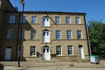 2 bedroom Flat in Station Road, Batley