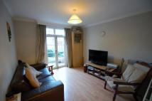 2 bedroom Maisonette in Mount Road, Hendon, NW4