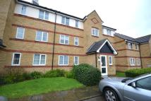 Flat to rent in Hove Close, Grays, RM17