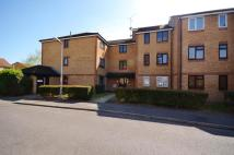 Flat to rent in Danbury Crescent...