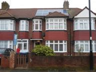 3 bed Terraced property to rent in Ash Grove, Palmers Green...