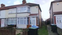 2 bed End of Terrace home in Oaklands Avenue...