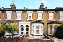 3 bed Terraced home in Roding Road, Hacklney
