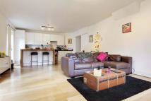 1 bed Apartment in Alyn Court...