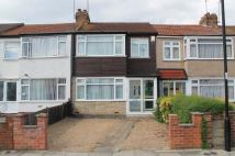 3 bedroom Terraced property in Albany Park Avenue...