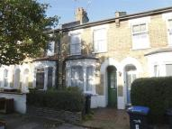 2 bed house in Cheddington Road, LONDON