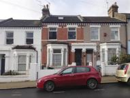 4 bed Flat in Alderbrook Road, LONDON