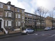 Flat in Gauden Road, LONDON