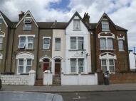 Flat in Stanger Road, LONDON