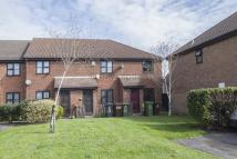 2 bed End of Terrace house in Wallers Close, DAGENHAM