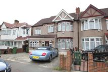 4 bedroom Detached home to rent in Vaughan Gardens, Ilford...