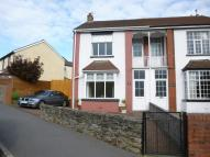 3 bed semi detached house in Crescent Road, Caerphilly