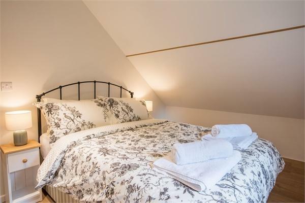 The Acorn - Bedroom