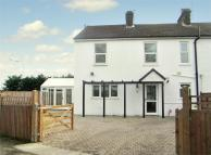 4 bed semi detached property in Sandpit Lane, St Albans...