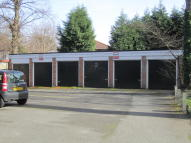 Garage to rent in Ballbrook Avenue...